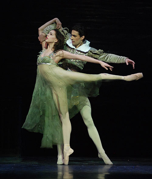 Alexandra Ansanelli as Ondine and Valeri Hristov as Palemon