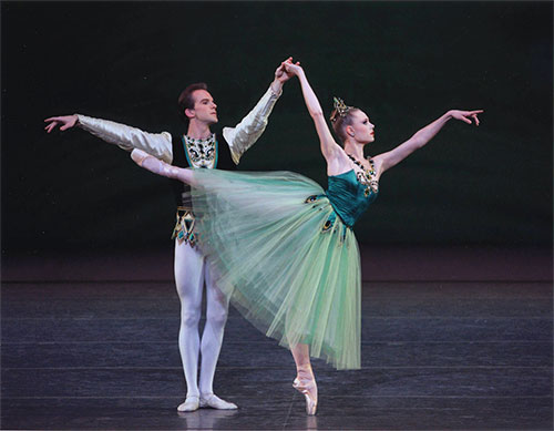 Pk_jewels_emeralds_sara_mearns_jonathan_stafford_pointe_pose_500