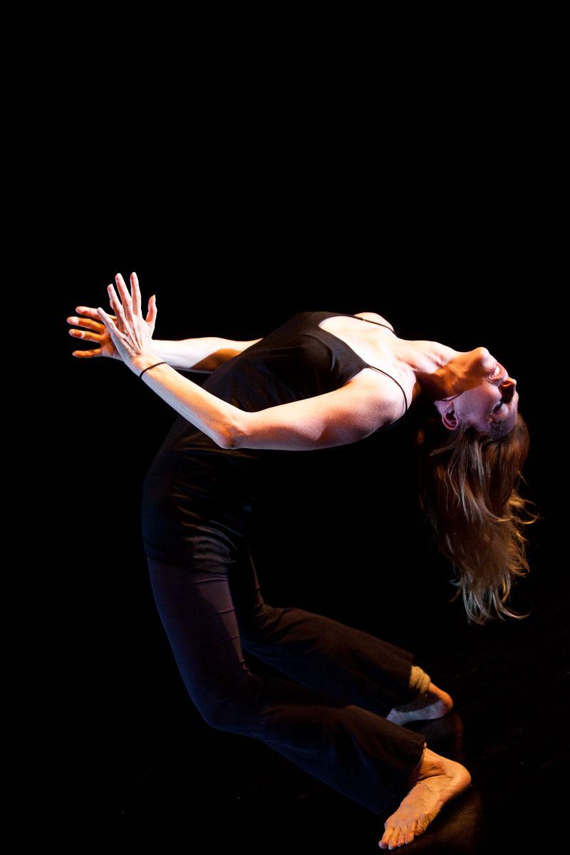 DANCE_AGAINST_C-33