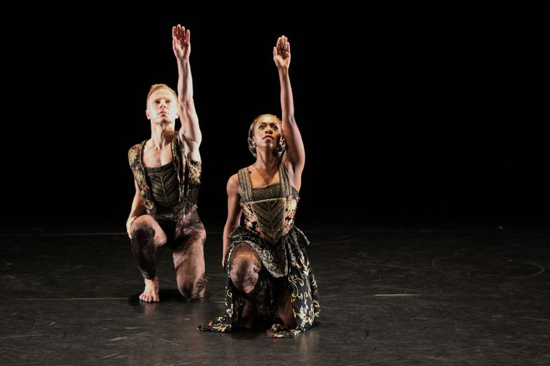 DFTH_Paul Taylor Dance Company_Photo by Danny Roberts_776