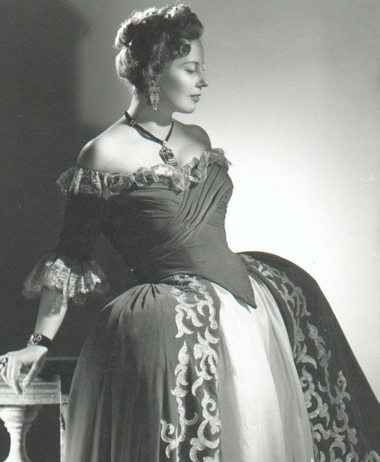 Magda-olivero-adriana-lecouvreur