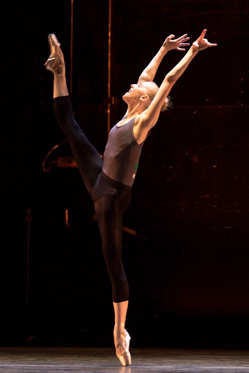 BALLET_COLLECTIVE, Claire Kretzschmar, by Matthew Murphy
