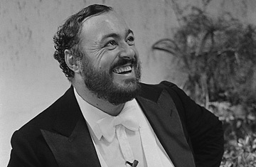 360_l_pavarotti_0905